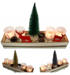 Žvakidės ant medinio padėklo