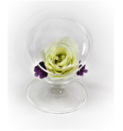 Stiklinė vazelė - gaubtas
